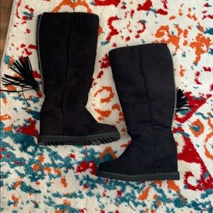 Shoes - Sherpa Lined Boots 👢 NWOT